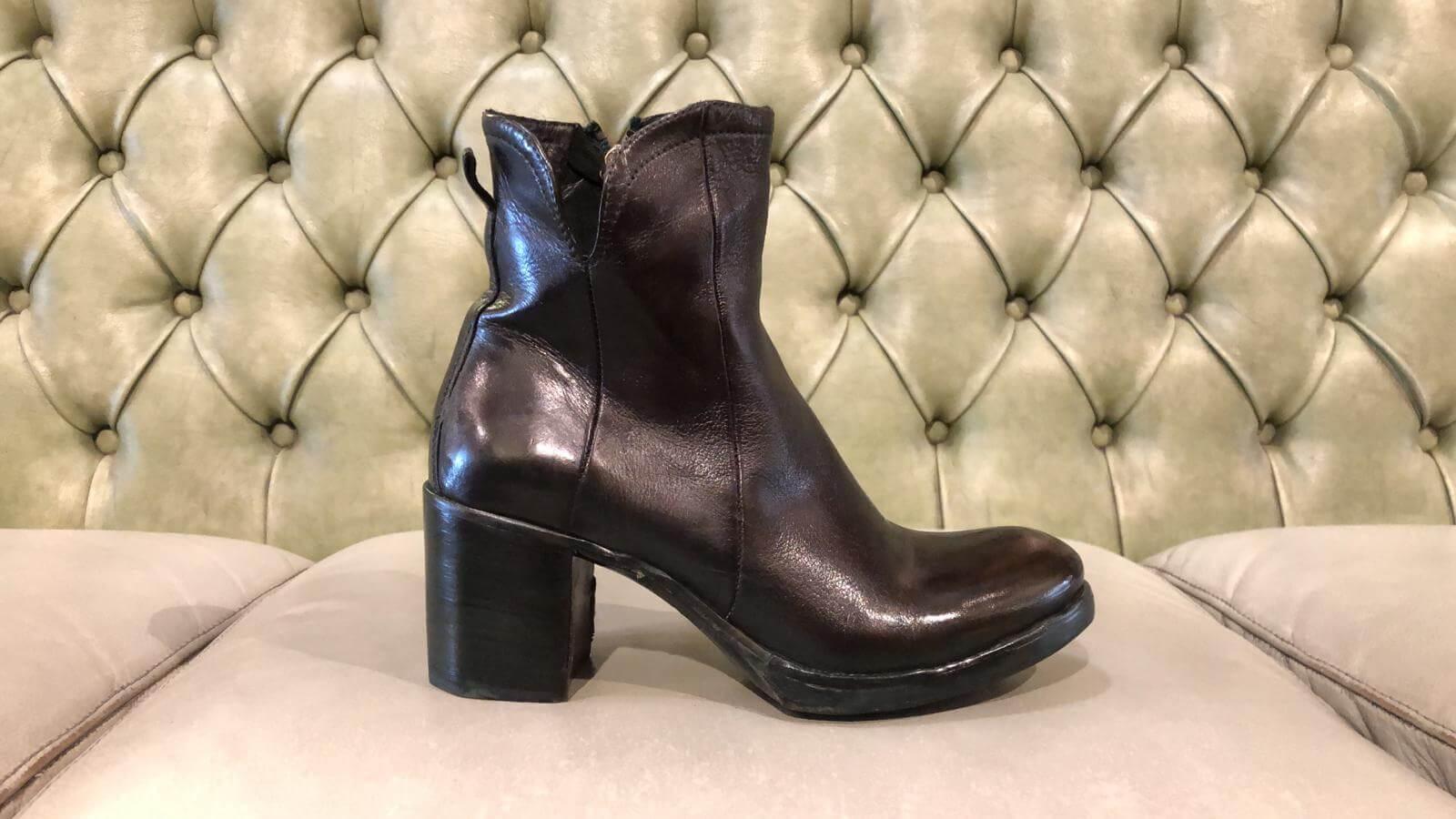 Dark green booties with high heel