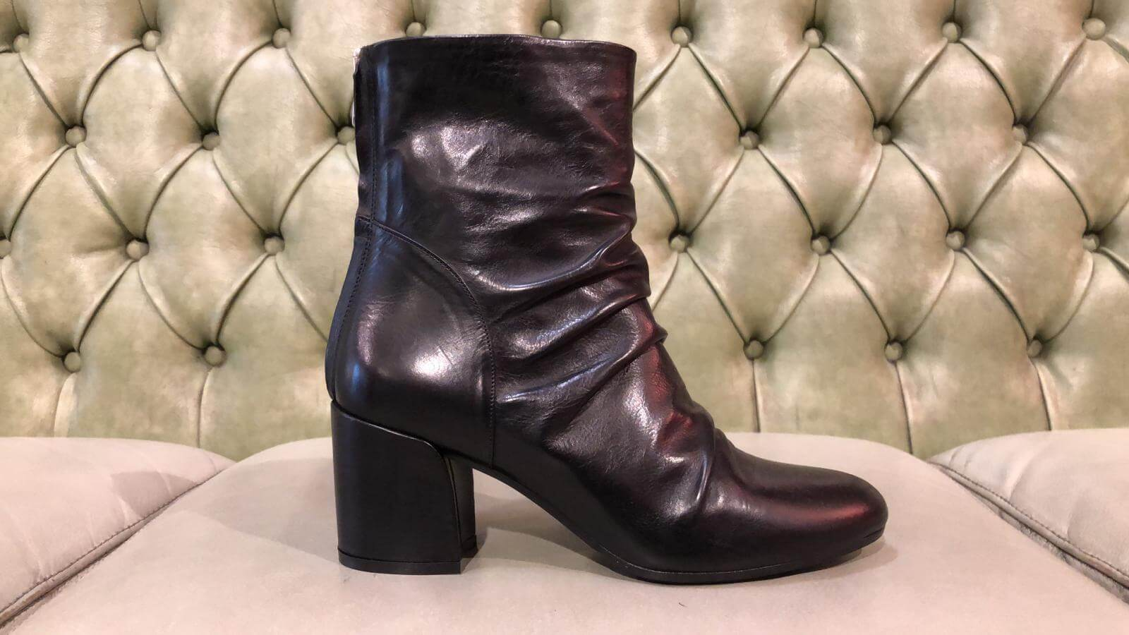 Black leather boots made in Italy