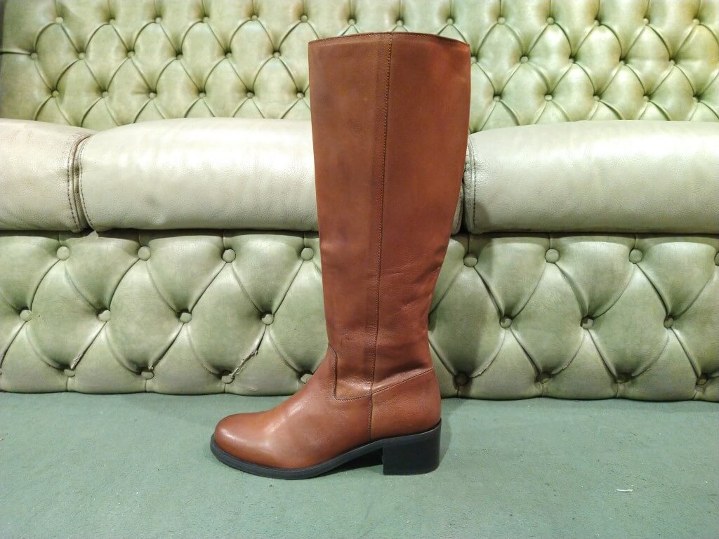 Brown leather high boots with mid heel